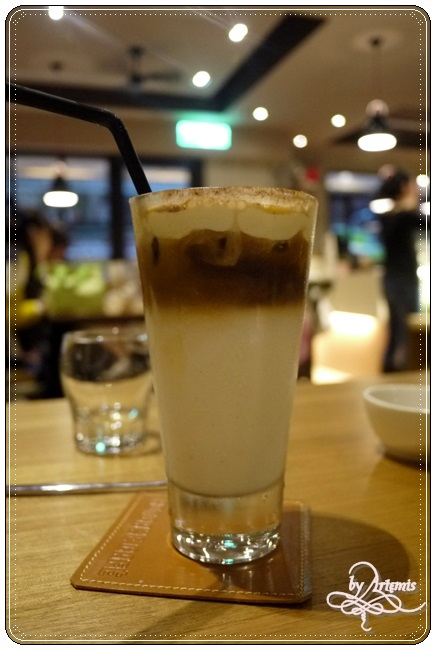 Hotcake Cafe 006.JPG