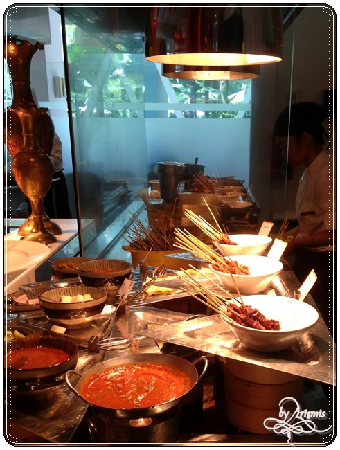 the Line buffet07.JPG