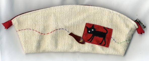 貓筆袋正面.jpg