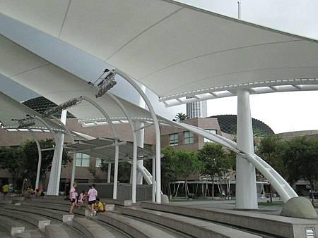 IMG_7557-新加坡Esplanade Concert Hall前露天表演場