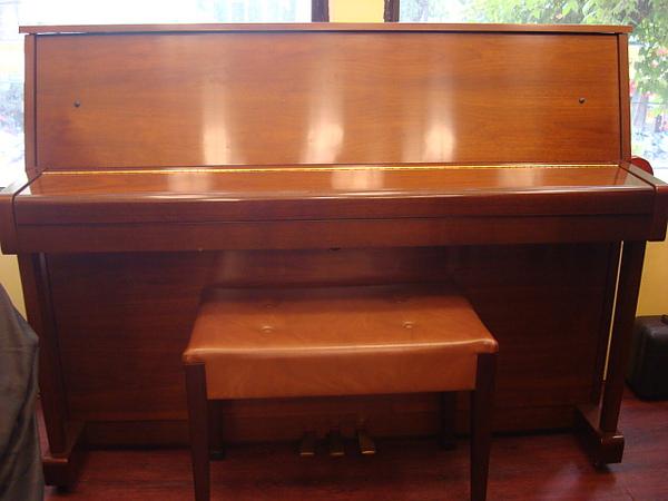 YAMAHA C108W 原木色1號鋼琴