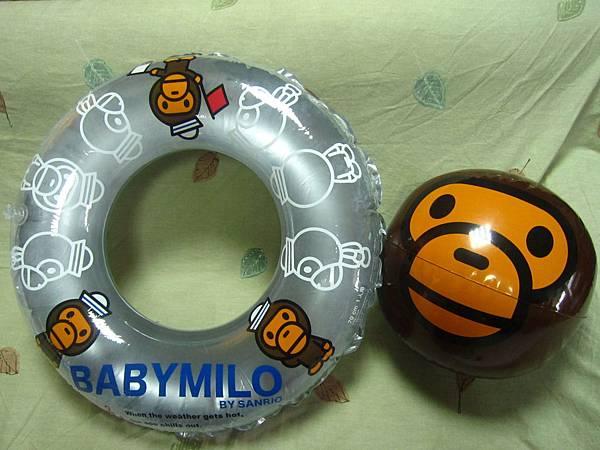 日本正版BABYMILO限量沙灘球+游泳圈