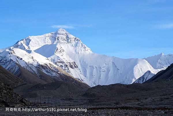 西藏-珠穆朗瑪峰(珠峰-聖母峰)-基地營-日景.jpg