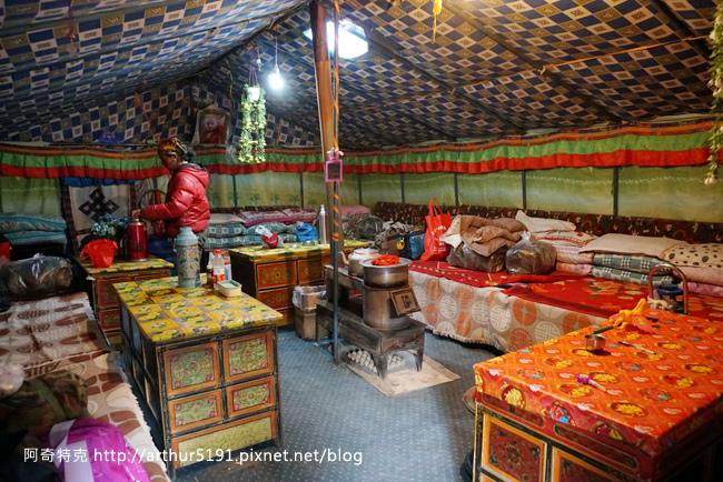 西藏-珠穆朗瑪峰(珠峰-聖母峰)-基地營-帳篷2.jpg