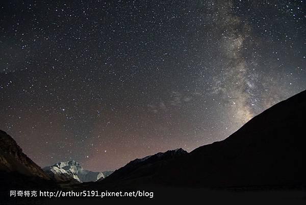 西藏-珠穆朗瑪峰(珠峰-聖母峰)-基地營-夜景.jpg
