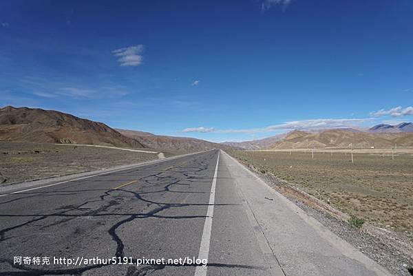 西藏公路-拉薩至日喀則-002.jpg