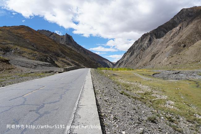 西藏公路-拉薩至日喀則-001.jpg