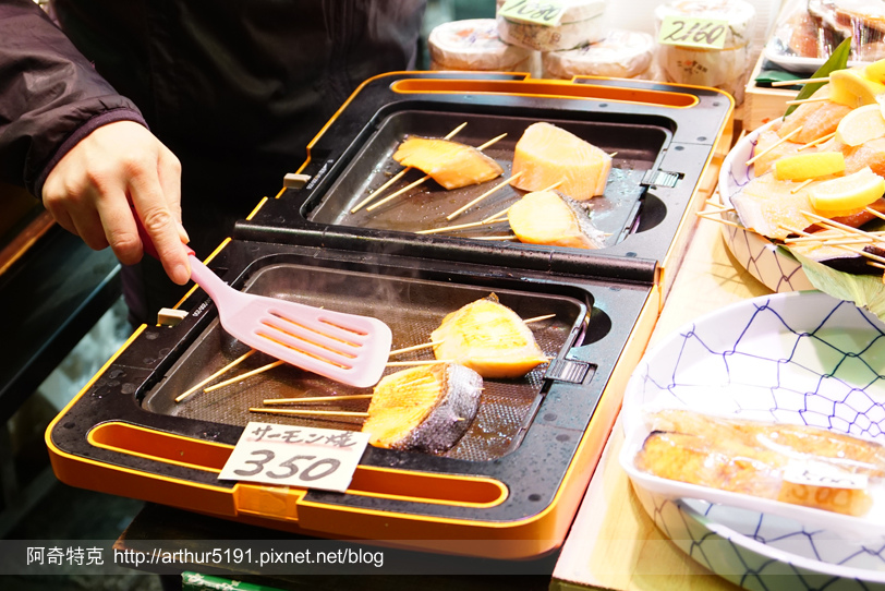 京都-錦市場-美食-烤魚.jpg