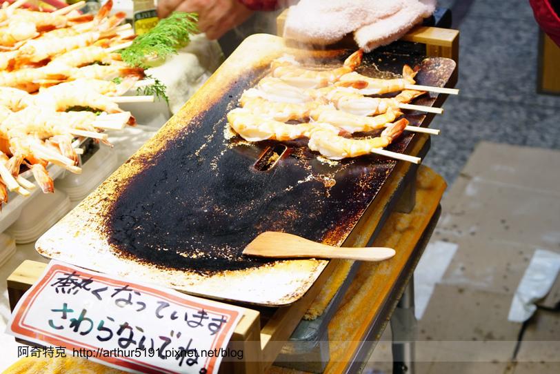 京都-錦市場-美食-烤蝦.jpg