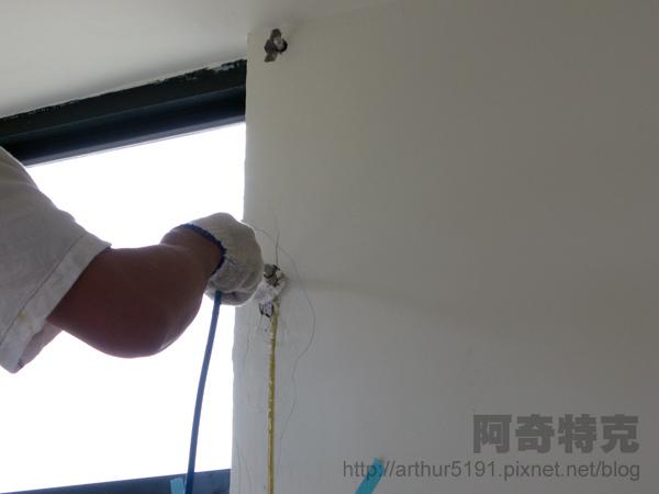 防水施工-08灌注防水膠.jpg