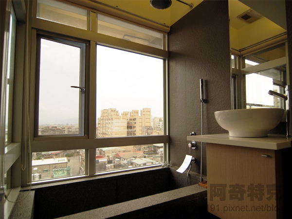 阿奇特克-房地產-浴廁1