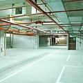 地下室停車場