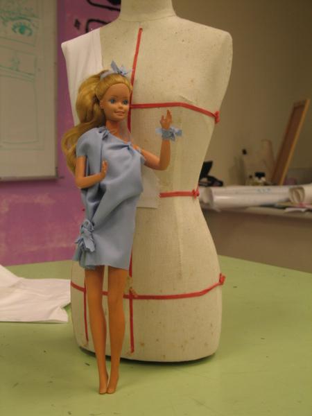 芭比娃娃最新春裝