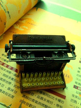 打字機 .JPG