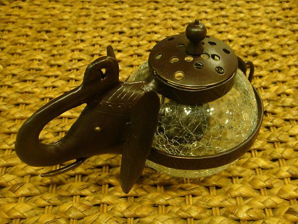 象頭壺型燭座-D104