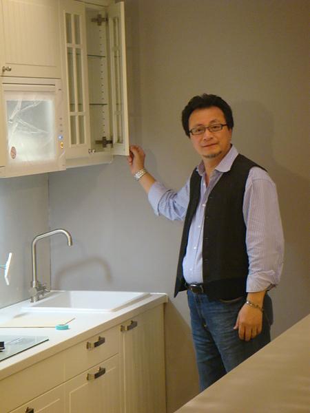 剛安裝好的新廚具,三機一體,小而美ㄟ!