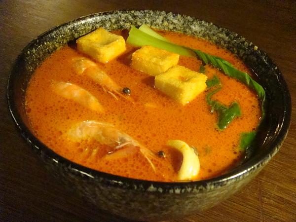椰漿海鮮麵疙瘩