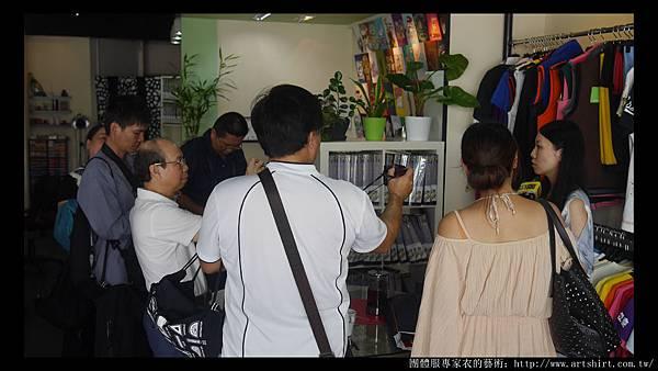 衣的藝術台北訂做台北團體服訂做51.jpg