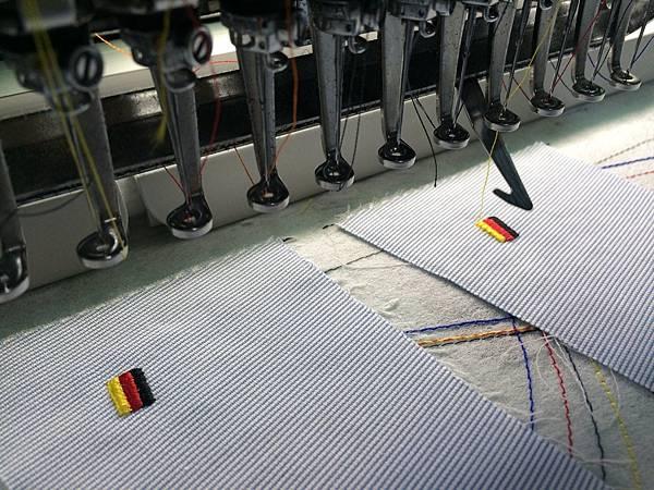 企業團體服-縫線製作