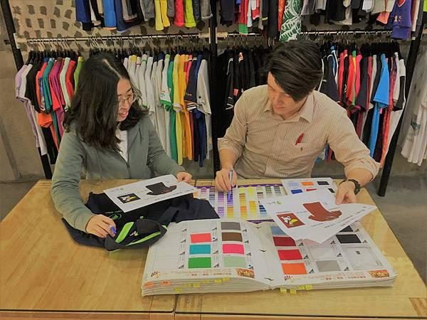 企業團體服-丹丹漢堡設計溝通