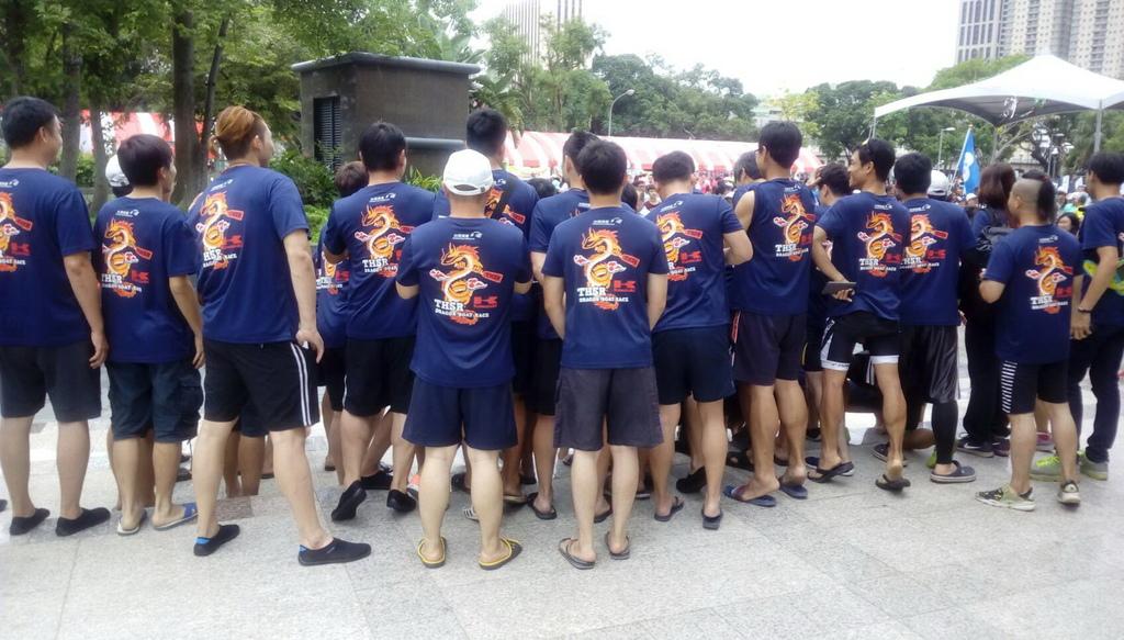 T恤製作推薦-高鐵活動服裝背面設計
