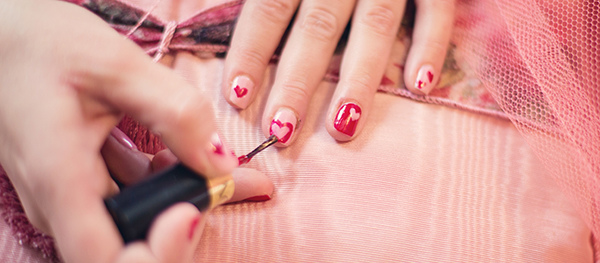 painting-fingernails-6352612.jpg
