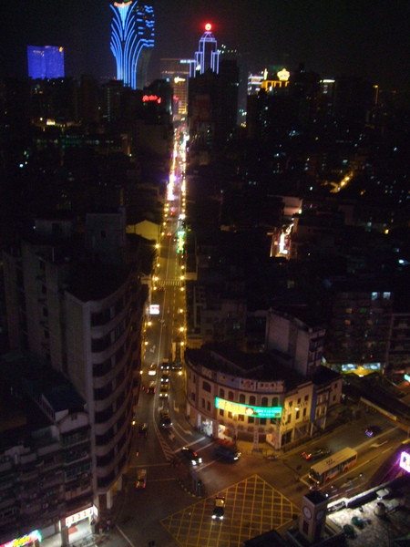 從十六浦索菲特飯店向外拍的新馬路夜景.JPG