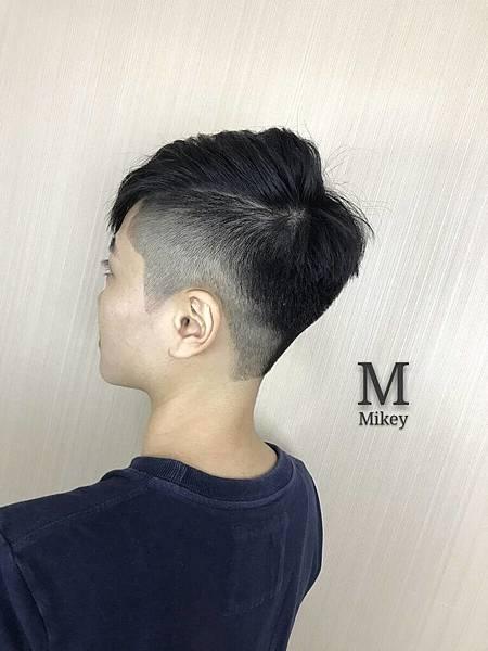 剪髮設計師Mikey.jpg