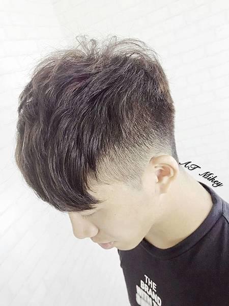 男生髮型挑染.jpg
