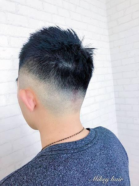 2018男生髮型.jpg
