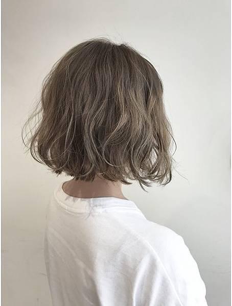 女生短髮.jpg