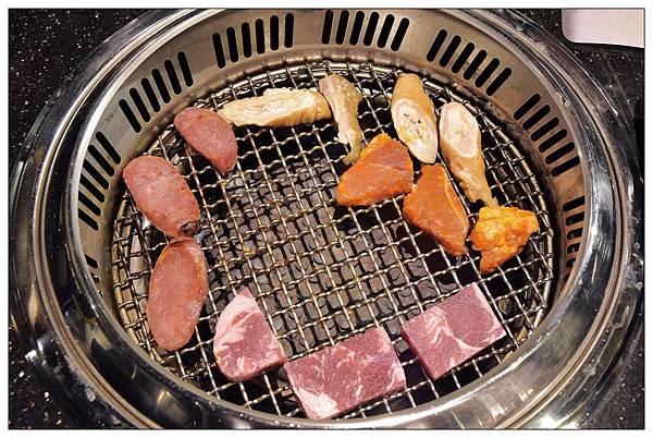 前菜肉盤-台中公益路燒烤吃到飽推薦