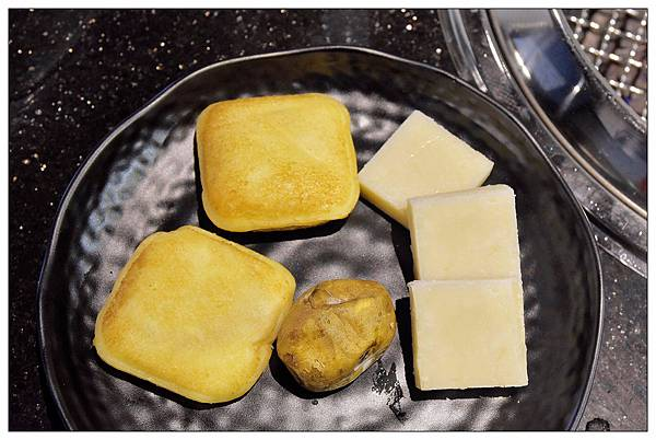 吐司炸彈冰、冰心番薯、沖繩麻糬-台中公益路燒烤吃到飽推薦