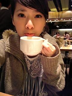 我在喝咖啡^^