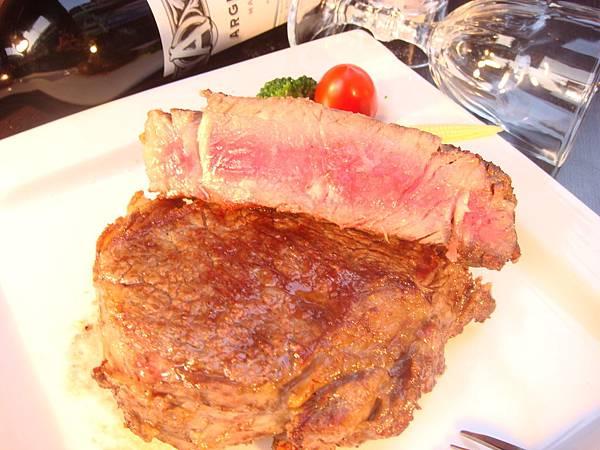 著火的牛阿根廷烤肉