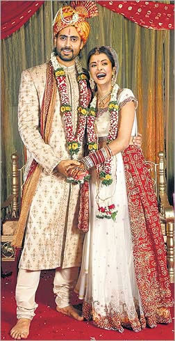 Aishwarya Rai & Abhishek Bachchan (before the actual wedding)