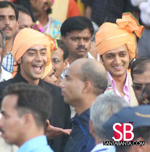 Wedding guests - Ajay Devgan & Ritesh Deshmukh