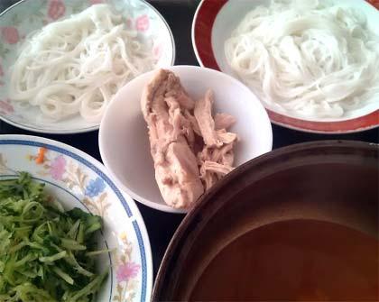 涼拌酸辣米線2