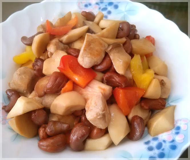 腰果彩椒炒雞丁
