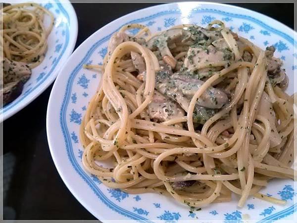 青醬菇雞義麵