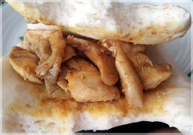 咖哩菇雞刈包