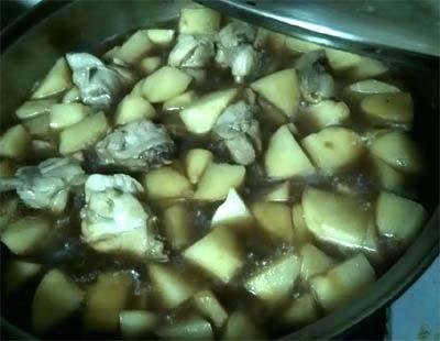 馬鈴薯燉雞肉2