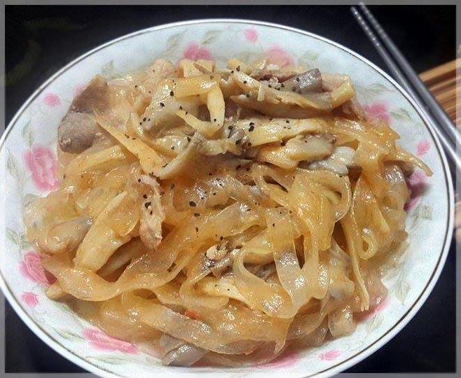 蘑菇白醬炒寬粉