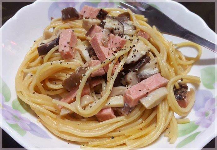 電鍋版義大利麵~素火腿粉紅醬