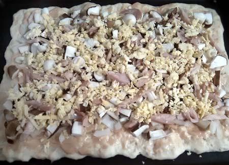 洋蔥菌菇燻雞披薩4