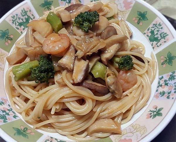 咖哩海鮮義大利麵