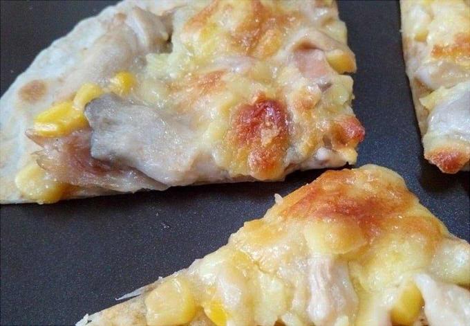 白醬燻雞薄皮披薩-