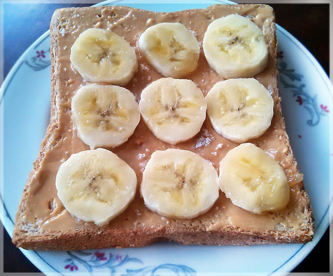 香蕉花生醬吐司