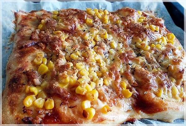 鮪魚玉米披薩