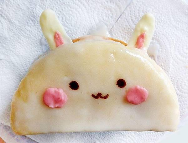 兔子糖霜蛋糕
